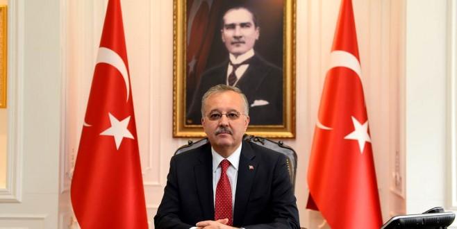 EDİRNE VALİSİ GÜNAY ÖZDEMİR'İN 30 AĞUSTOS ZAFER BAYRAMI KUTLAMA MESAJI
