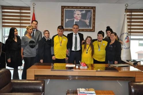 'SES-SİZSİNİZ' SPOR KULÜBÜ VE SPORCULARI OCAK'I ZİYARET ETTİ